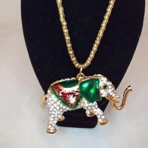 NWOT Goldtone rhinestone Elephant necklace
